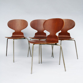 Arne Jacobsen - Ant chairs