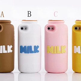 MILK BOTTLE iPhone ケース