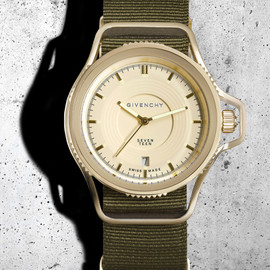 "GIVENCHY - the ""Seventeen"" Watch by Riccardo Tisci"