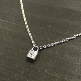 deadman - micro padrock chain necklace