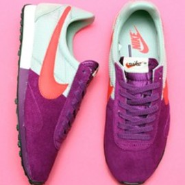NIKE - NIKE chapter select WMNS PRE MONTREAL RACER VNTG(スニーカー)