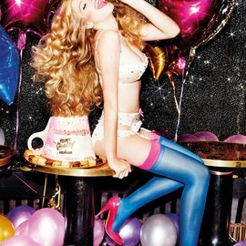 style icon - Valerie van der Graaf by Ellen von Unwerth for Lavazza 2012