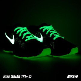 NIKE - NIKEiD LUNAR TR1 GLOW IN THE DARK