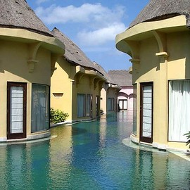 Bali - step right into the pool