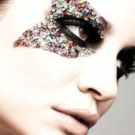 Jewel studded eye