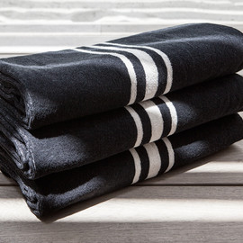 James Perse - Oversized Narrow Stripe Beach Towel - Black/White Linen