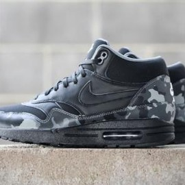 Nike - NIKE AIR MAX 1 MID FB BLACK/BLACK-COOL GREY/IVORY