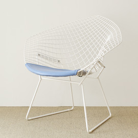 Knoll - Diamond Chair by Harry Bertoia