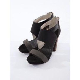 Abel - Back zip sandal