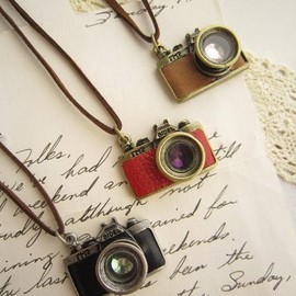 melodyhouse - camera necklaces