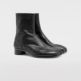 MAISON MARGIELA - Tabi leather ankle boots