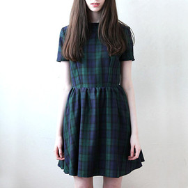 Mod Dolly - Hannah Fitted Skater Dress in Tartan Navy and Green