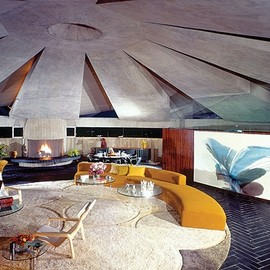James Bond - 007's apartment