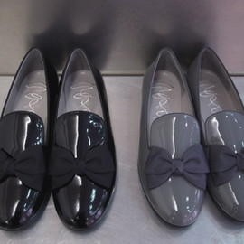 salon boutique - ribbon slip-on