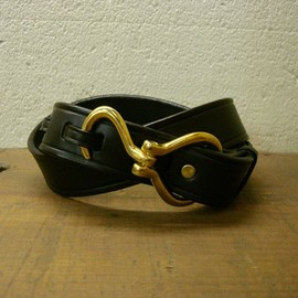 TORY LEATHER - HOOK BUCKLE BELT