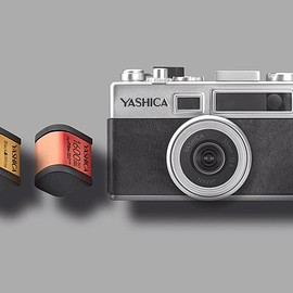 YASHICA - digiFilm Camera Y35