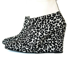 TOGA PULLA - Leopard Wedge Boots