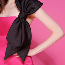 BETSEY JOHNSON - ORGANZA / TAFFETA STRAPLESS BOW DRESS - Betsey Johnson