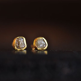 SOURCE - Rough Diamond Post Earrings