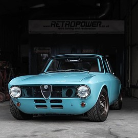Alfa Romeo - GT 1300 Junior