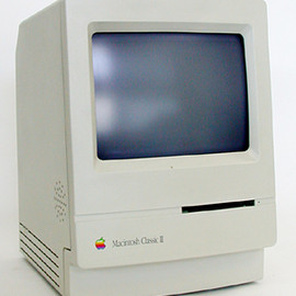 Apple Computer - Macintosh Classic II