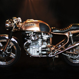 Honda - CX500 Café Racer. Bright copper finish