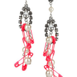 Tom Binns - Passive Attack rhodium and pearl earrings