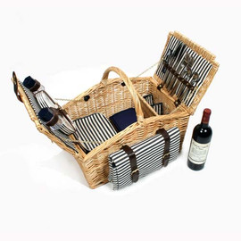 a picnic basket for 4