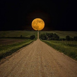 eastern South Dakota - Road To Nowhere- Supermoon