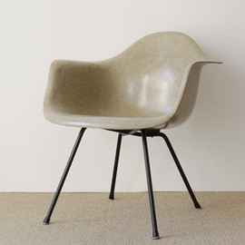 Zenith Plastics' Herman Miller - LAX 1st production