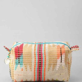 urban outfitters - Woven Jute Dopp Makeup Bag