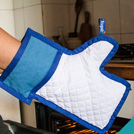 "Yeople - ""I Like your Kitchen Glove"""