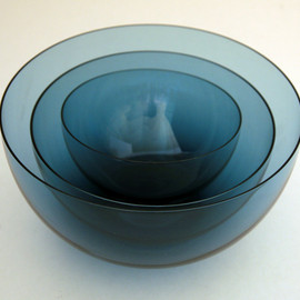 "Kaj Franck, Iittala - Delicate Blown Glass Bowl Set Notsjo line 1950s blown rare ""blueberry"" color glass"