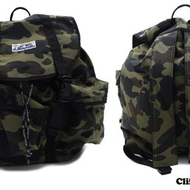 A BATHING APE - 1ST CAMO ARMY BAG