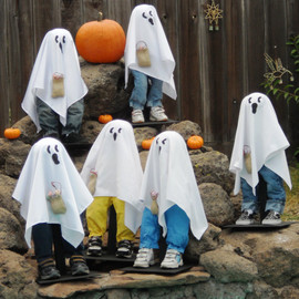 SeasonalHeart - Ghost Kids - Cute Halloween Decor