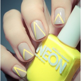 neon/nails
