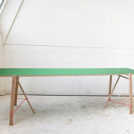 TOMAS ALONSO - 5 degree table