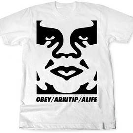 Arkitip / Obey / Alife - Obey the giant T