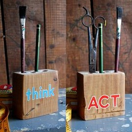 REINSIGN - Think Act Reversible Wood Pencil Holder