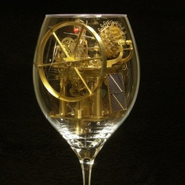 Szymon Klimek - Fascinating Machines Inside Wine Glasses