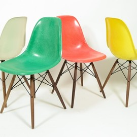 Herman Miller - Charles and Ray Eames set of 4 DSW side chair wooden base 1960's