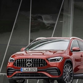 Mercedes-Benz - GLA35