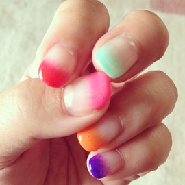 summer nails! - Photo by naotic