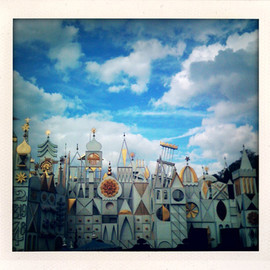 ❝ it's a small world ❝