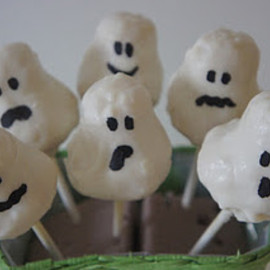 Liv a Little Bakery - Ghost cake pops