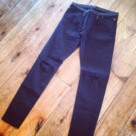 UNDERCOVERISM - Leather trimmed skiny damaged pants