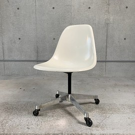 Herman Miller - Eames Shell Side Chair Contract Base + Caster