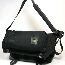 PORTER - WILDERNESS CYCLE / MESSENGER BAG (L)