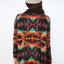 UNIF - The Desert Poncho in Black Multi
