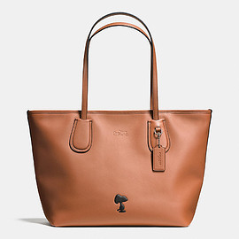 COACH - Coach X Peanuts Taxi Tote in Leather
